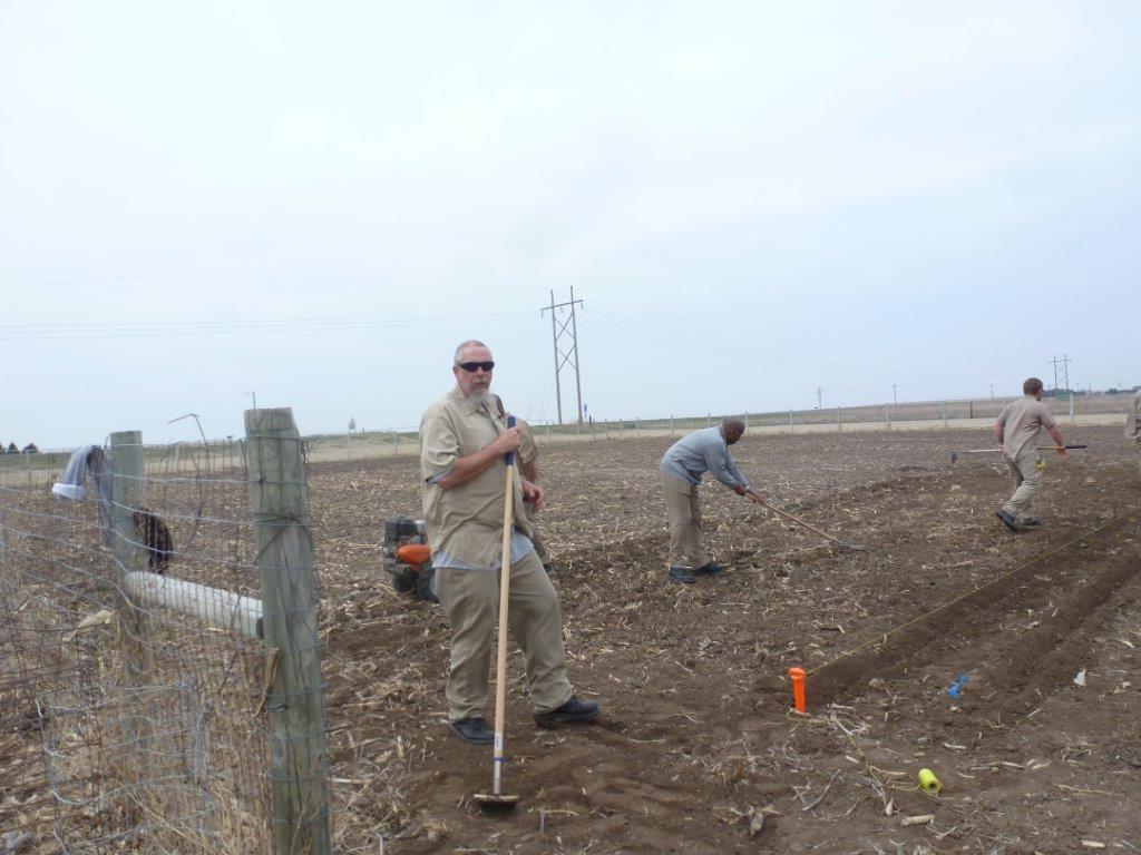 Wec Population Begins Planting Garden Ndcs Nebraska Department Of Correctional Services